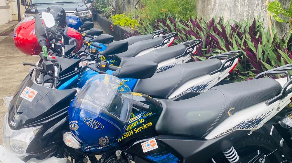 The motorbikes will support coordination of GBV response services and the setting up of SRH hubs in the Koinadugu district
