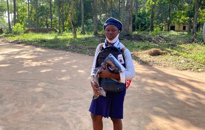 Fatmata S. Kamara with her new back to school kit ©UNFPA Sierra Leone/2020/John Sesay
