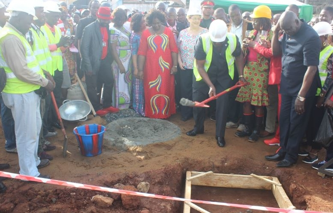 His Excellency, President Dr. Ernest Bai Koroma turning the sod at Rokupa site, Freetown
